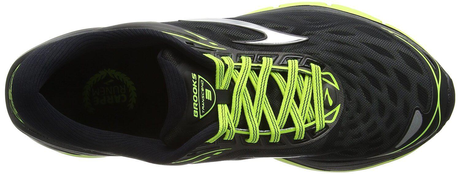 the upper of the Brooks Transcend 3 is breathable and firmly secures the foot after lace-up