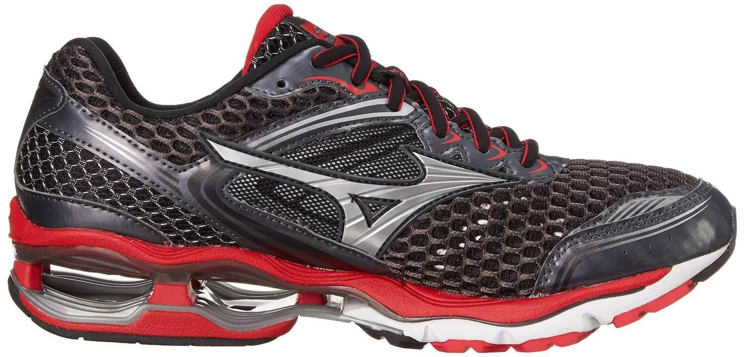 The new Ui4C is lighter than previous Mizuno midsoles
