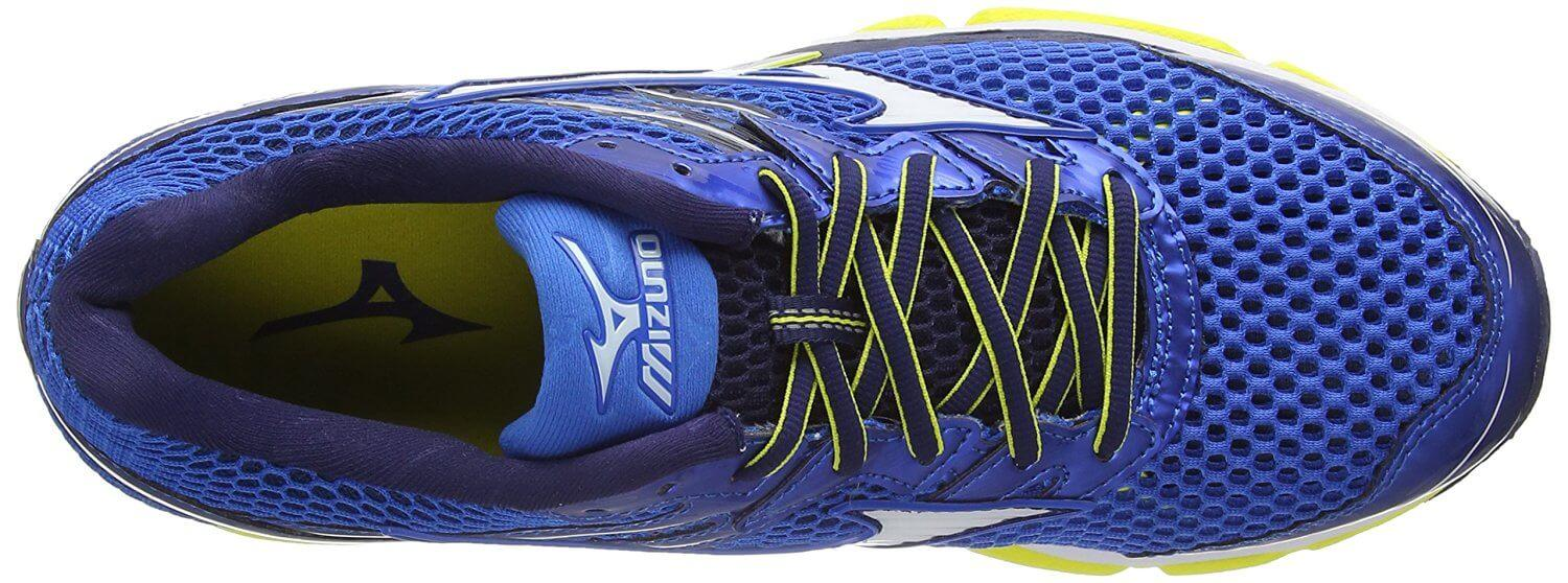 the upper of the Mizuno Wave Enigma 5 is breathable and flexible for an excellent fit