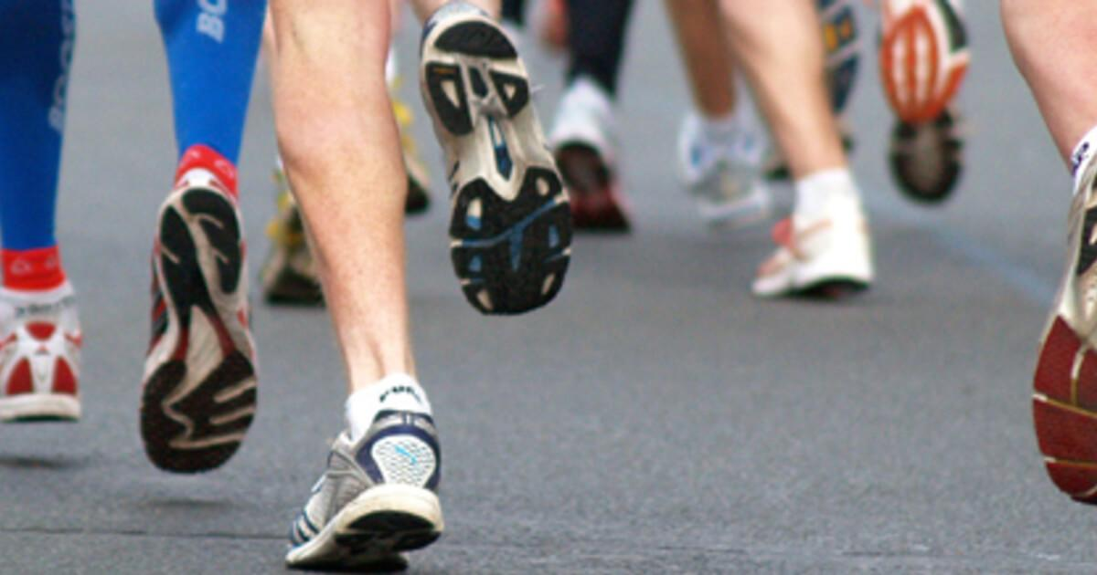 high_res_running-feet