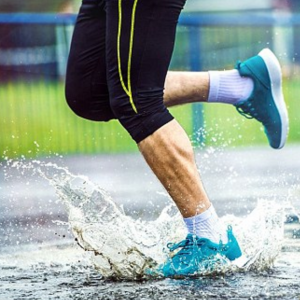 top-10-running-socks-water