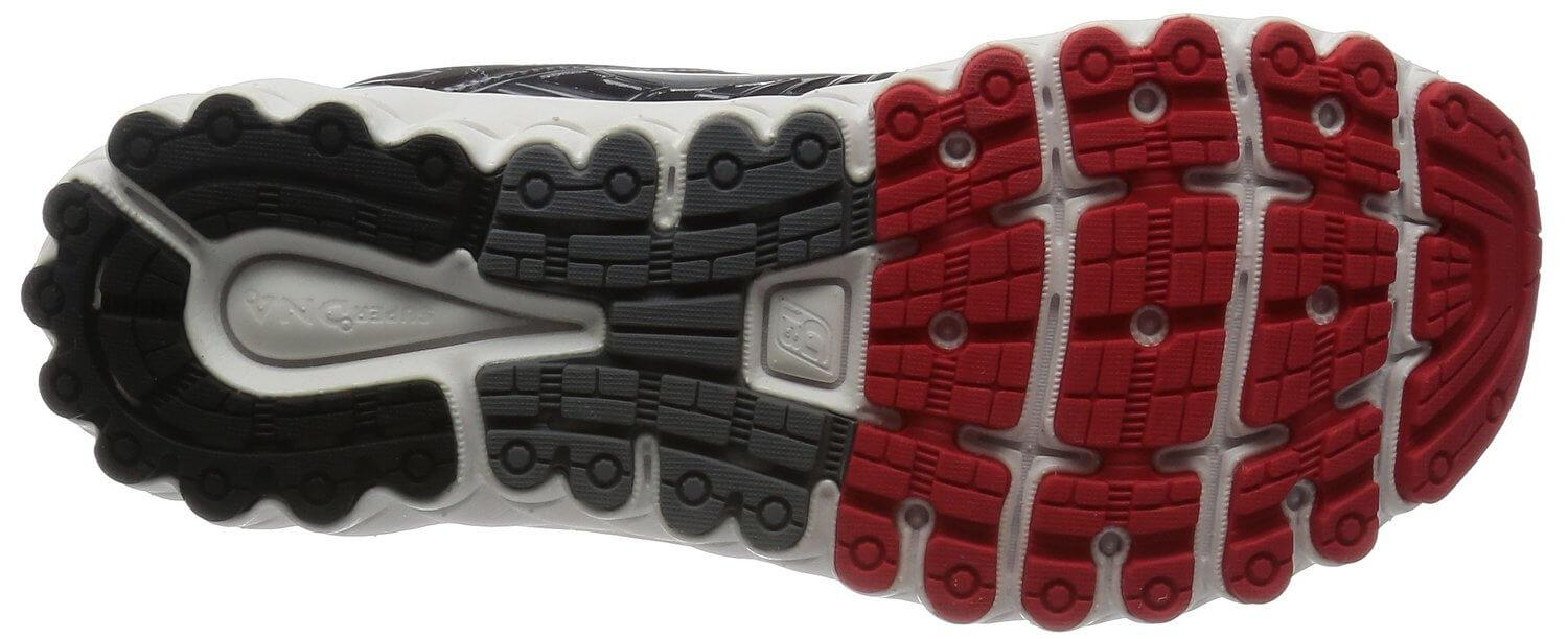 The outsoles of the Brooks Glycerin 13 provide targeted support to pressure zones.