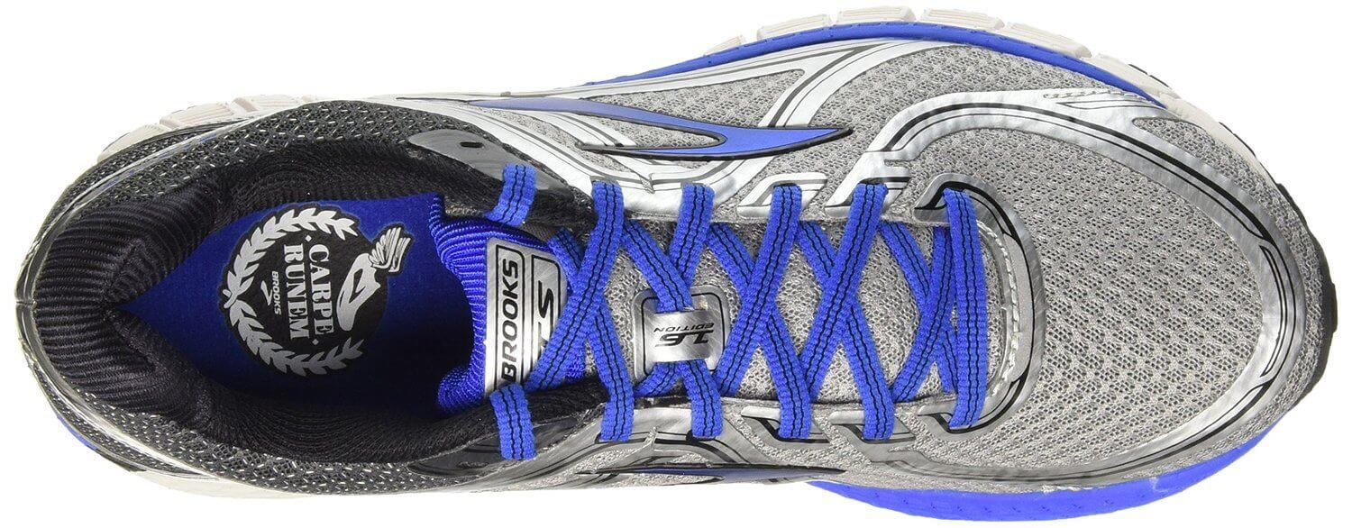 A seamless upper helps to prevent the Brooks Adrenaline GTS 16 from causing skin irritation.