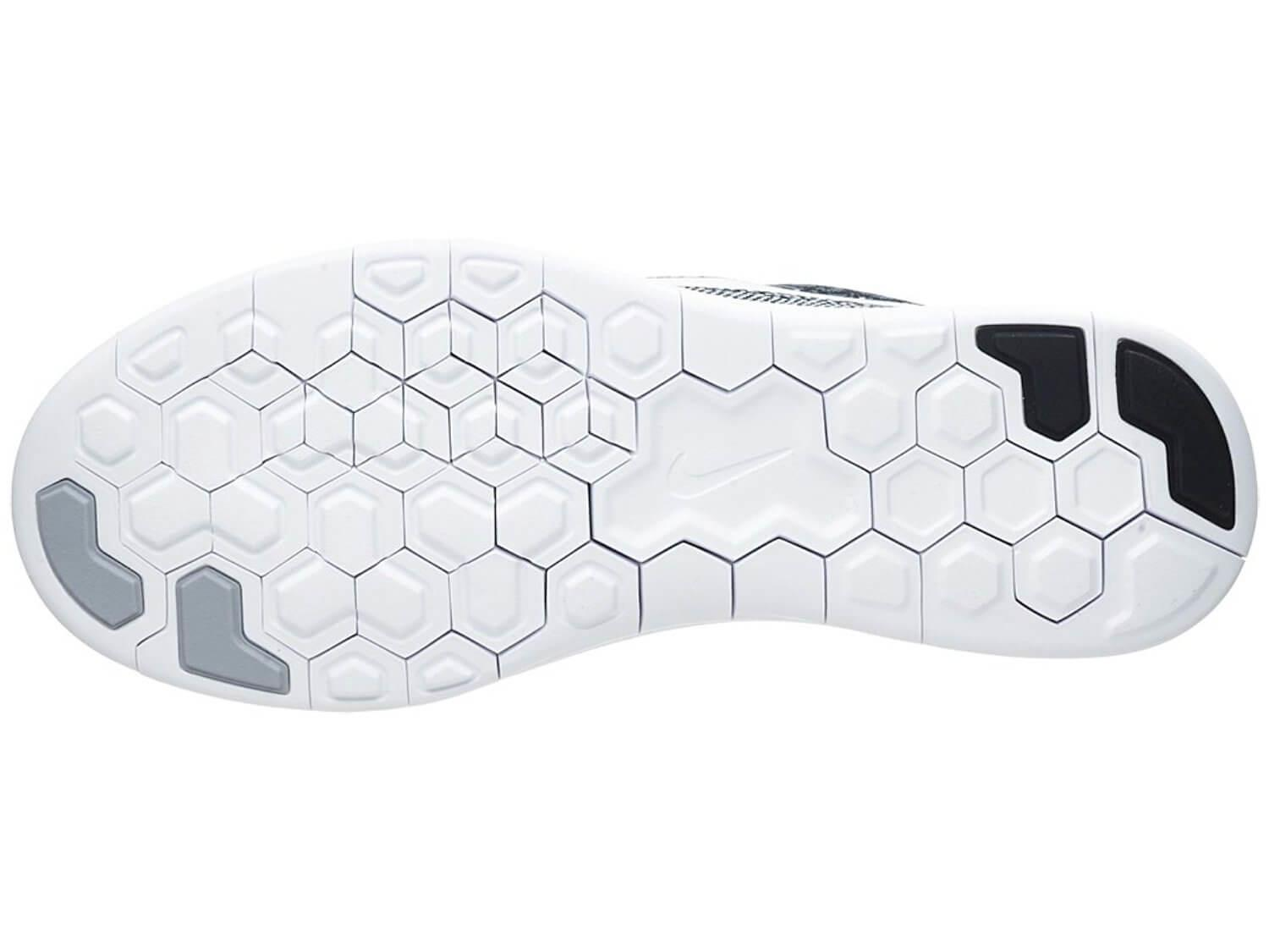BRS 1000 carbon rubber was used to design the durable outsole of the Nike Free RN Distance.