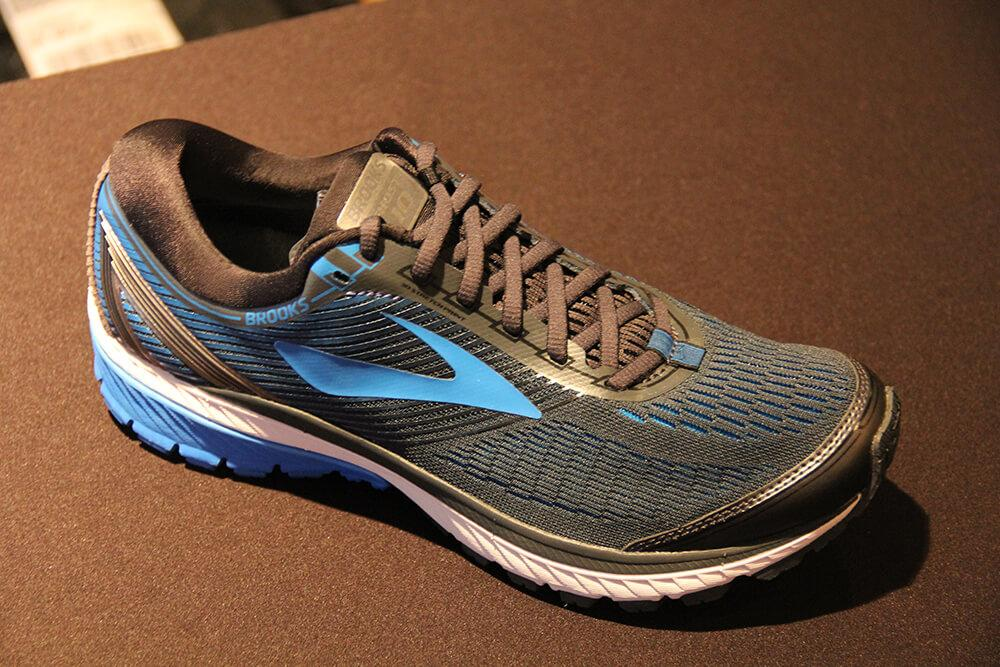brooks-ghost-10-product-showcase