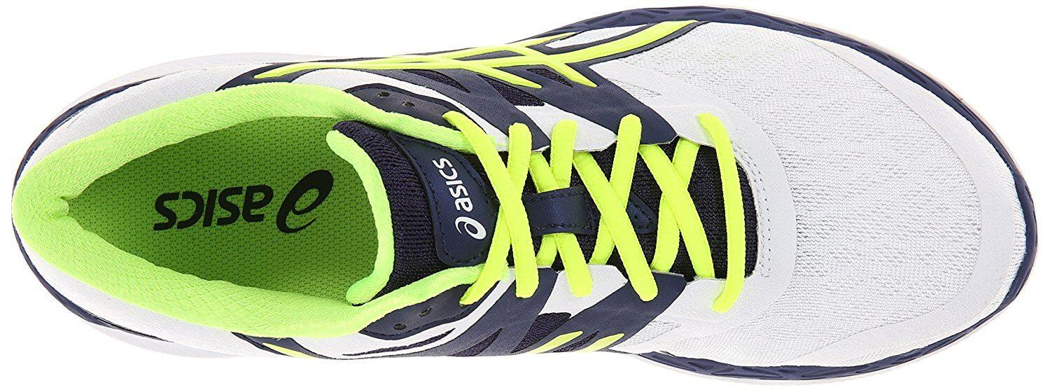 A top view of the Asics 33 M