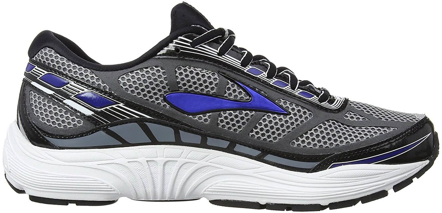 Medial side of the Brooks Dyad 8