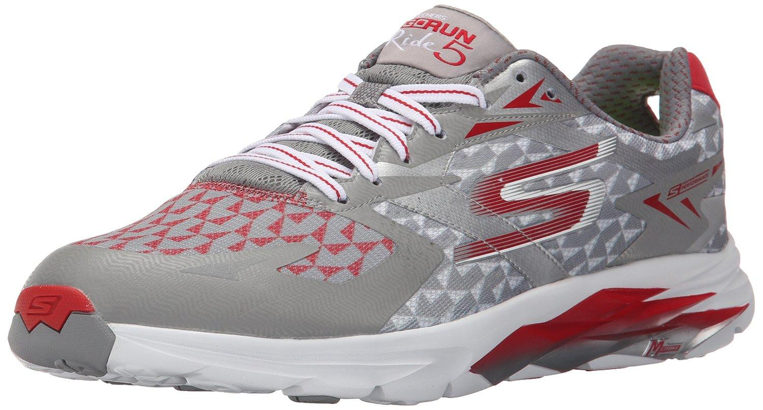 A three quarter view of the Skechers Go Ride 5
