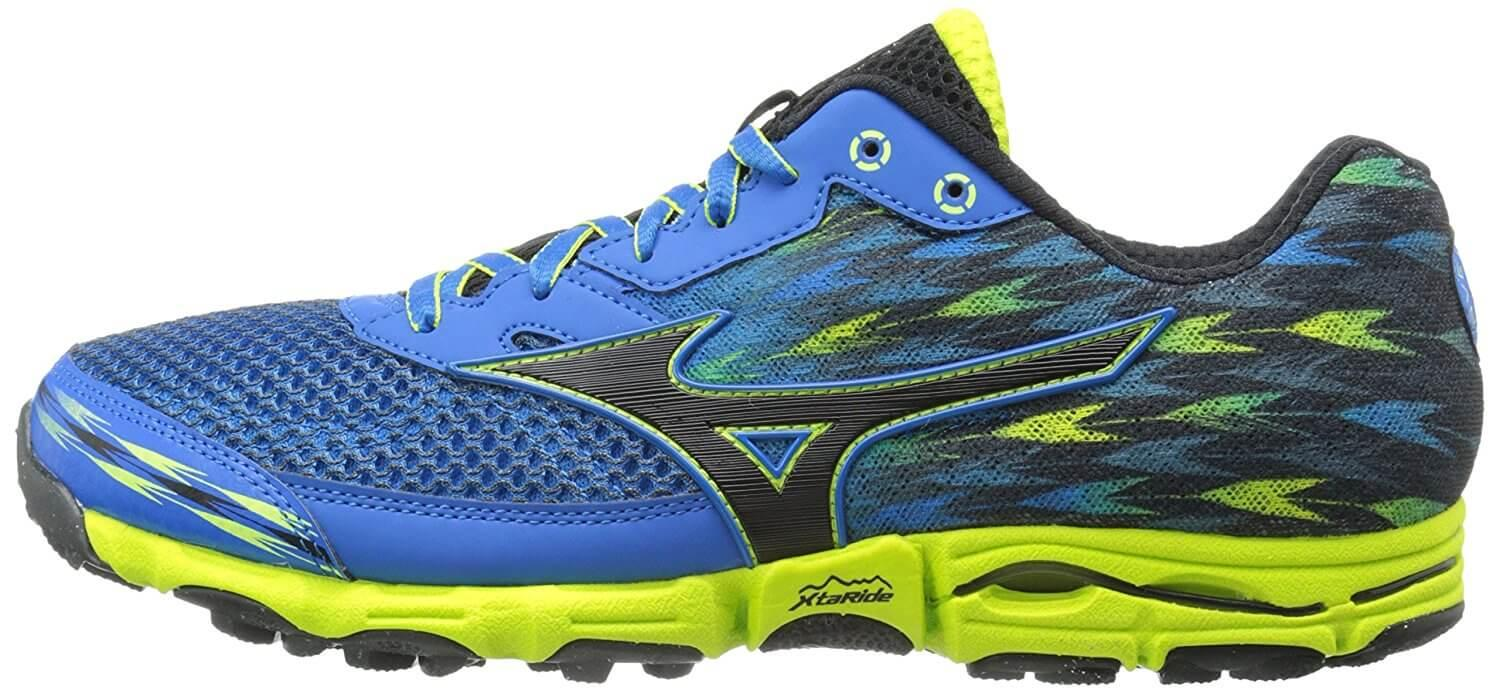 A medial side view of the Mizuno Wave Hayate 2 trail running shoe