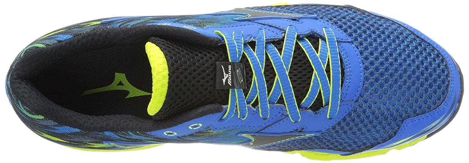 A top view of the Mizuno Wave Hayate 2 trail running shoe