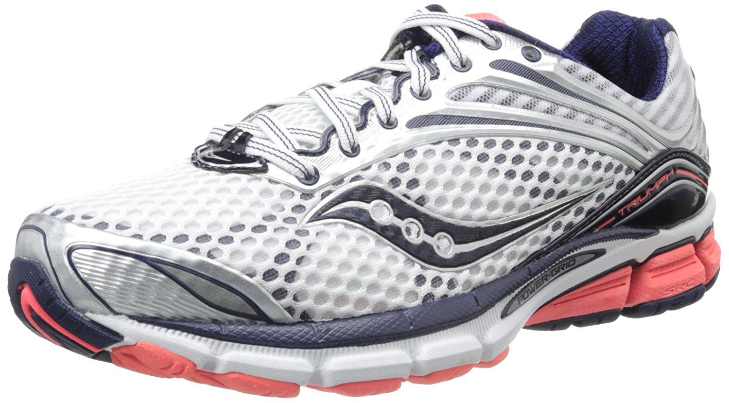 A three quarter view of the Saucony Triumph 11