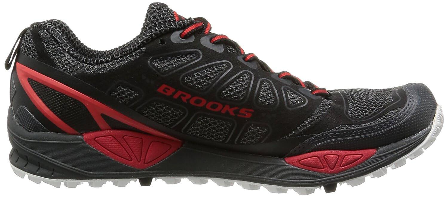 A medial view of the Brooks Cascadia 9 running shoe