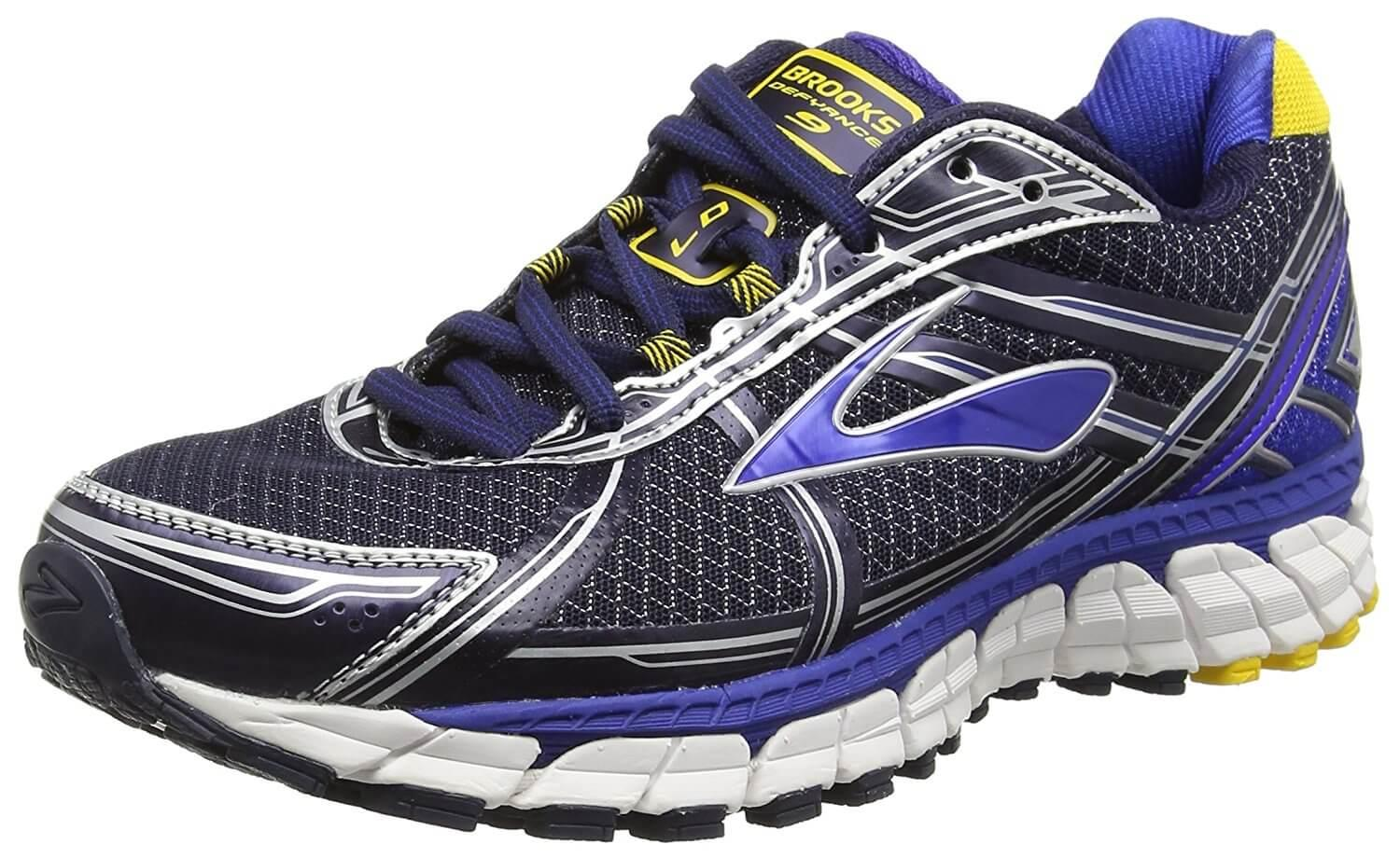 Brooks Defyance 9 is a stable shoe for heavier runners and everyday runners.