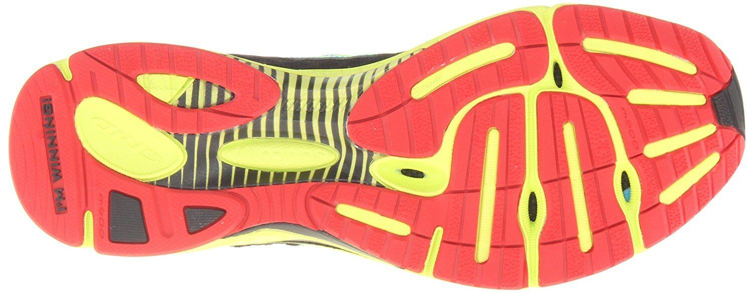 Here is a look at the Saucony Fastwitch 6 tread and view of Midfoot Support Bridge. system