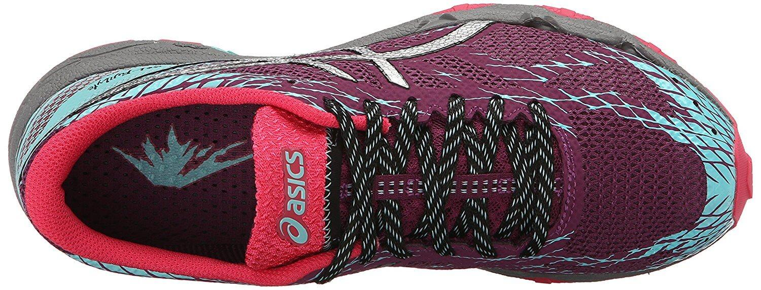 Comfortable and secure upper of the Asics Gel Fujilyte