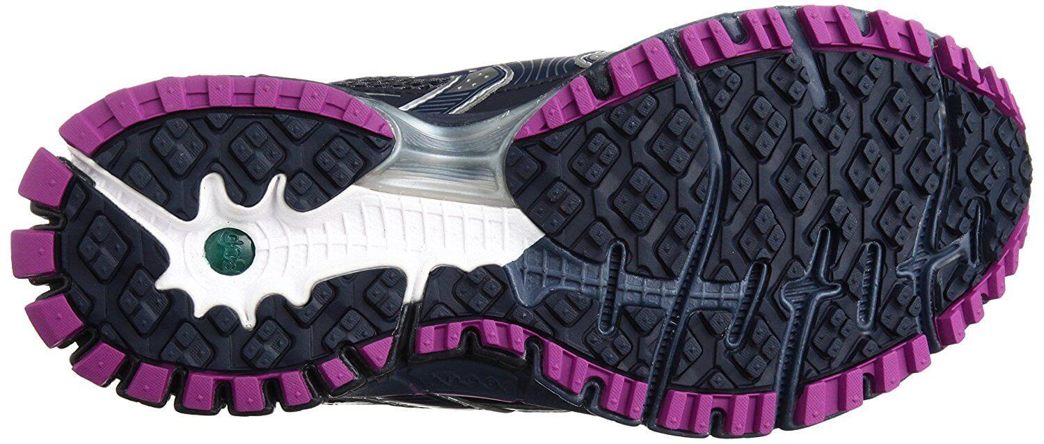 the Brooks Adrenaline ASR 11 GTX has a versatile outsole that allows both on- and off-road use