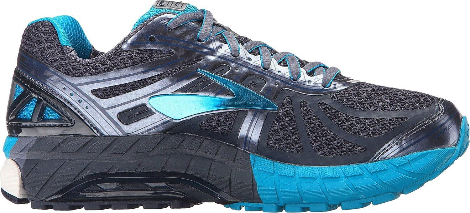 a good look at the side of the Brooks Ariel 16