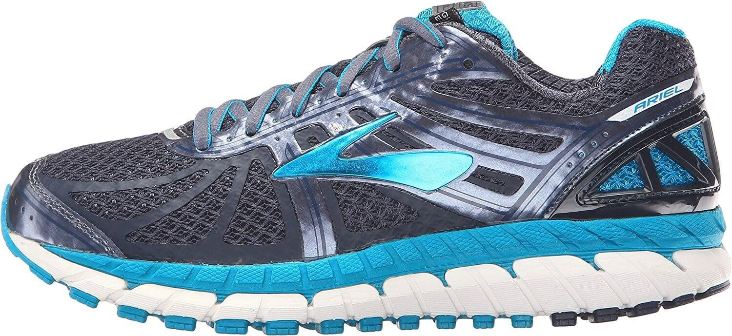 the Brooks Ariel 16 is only available in one style