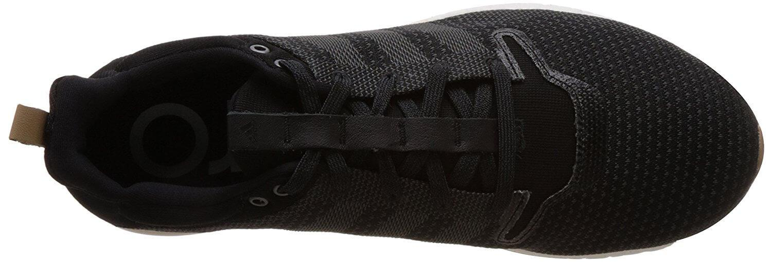Breathable and secure upper of the Adidas Adizero Feather Boost