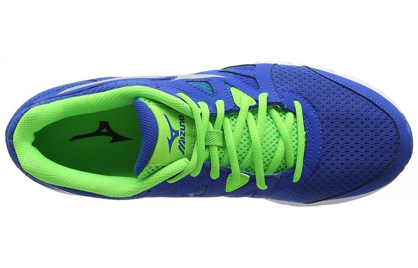 Mizuno Synchro MD has a breathable mesh upper