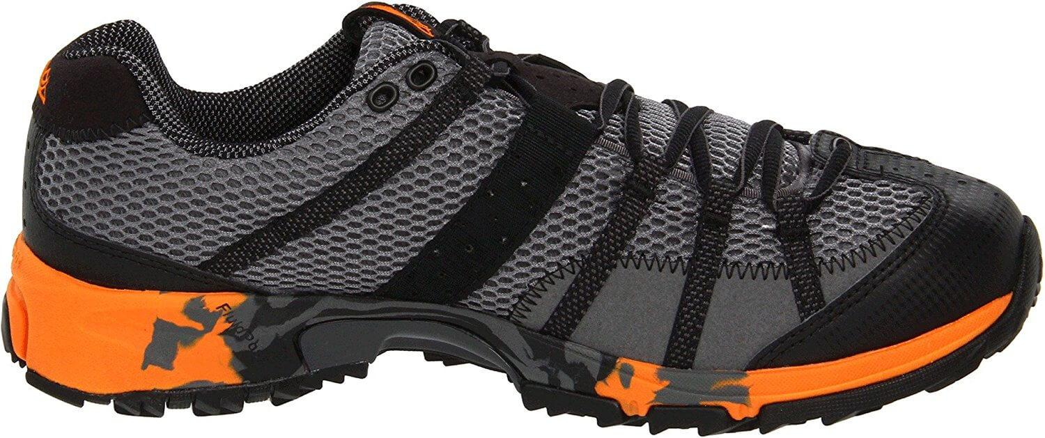 bright Accent colors of the Montrail Mountain Masochist II
