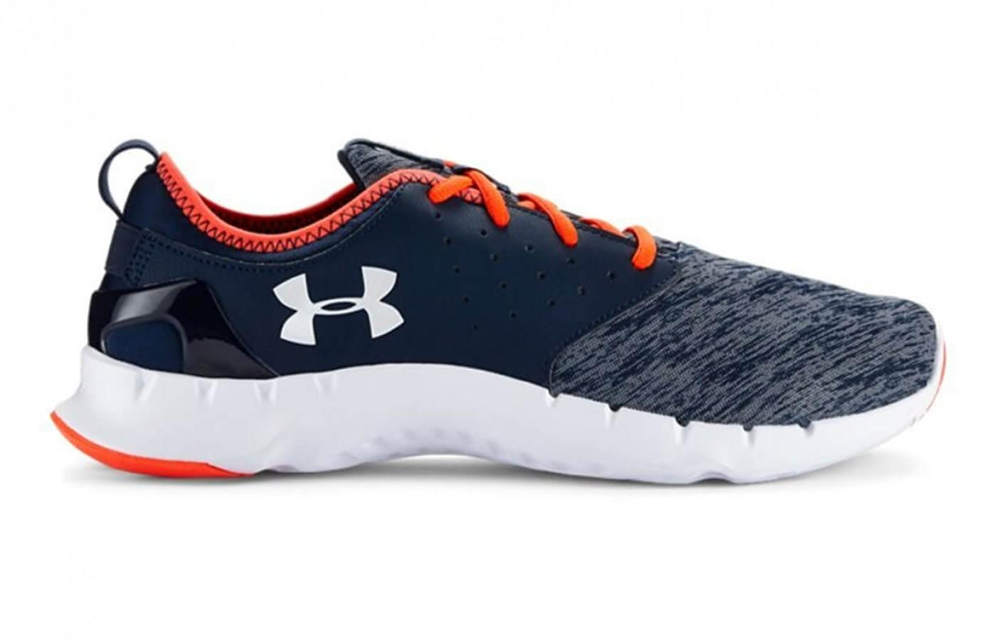 the Under Armour Flow Twist from the right