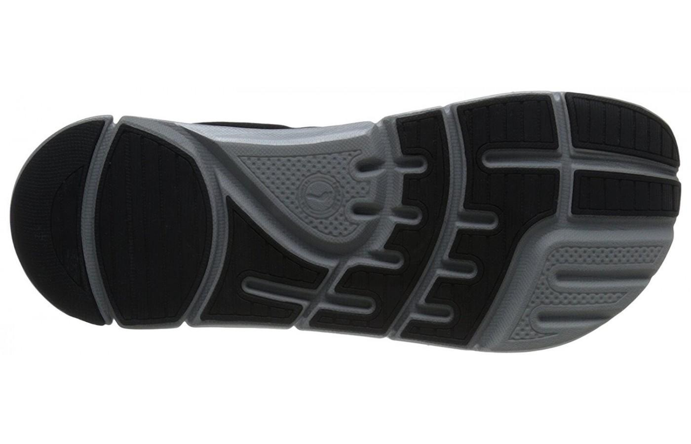 The outsole of the Altra Instinct 3.5 provides good traction on smooth surfaces