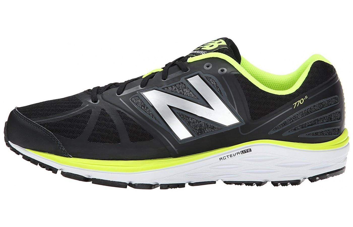 The New Balance 770 v5 features ACTEVA Lite and REVlite foam throughout the midsole.