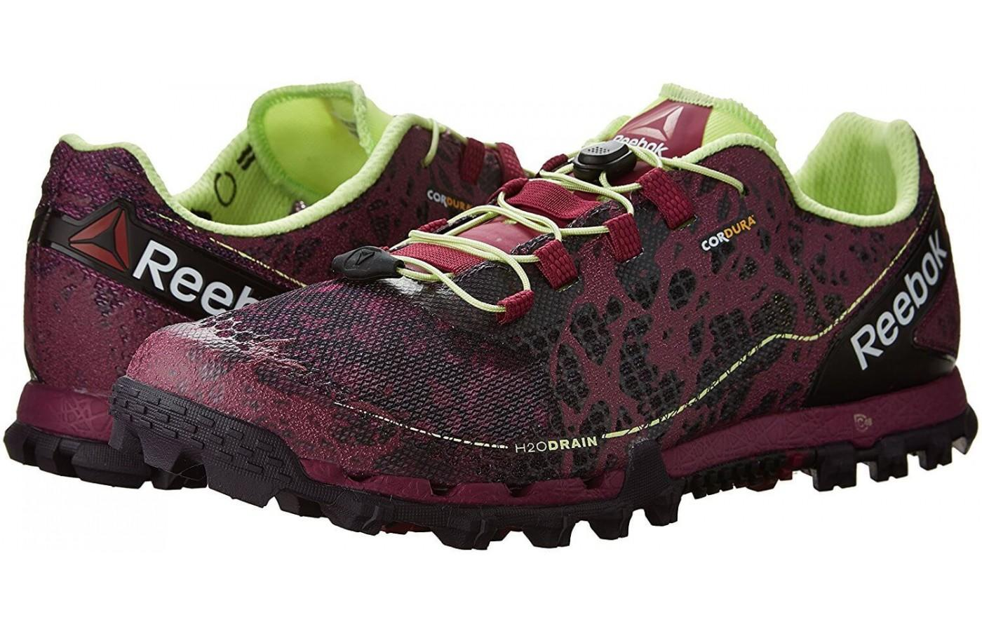 Reebok All Terrain Super is a stylish pair of shoes