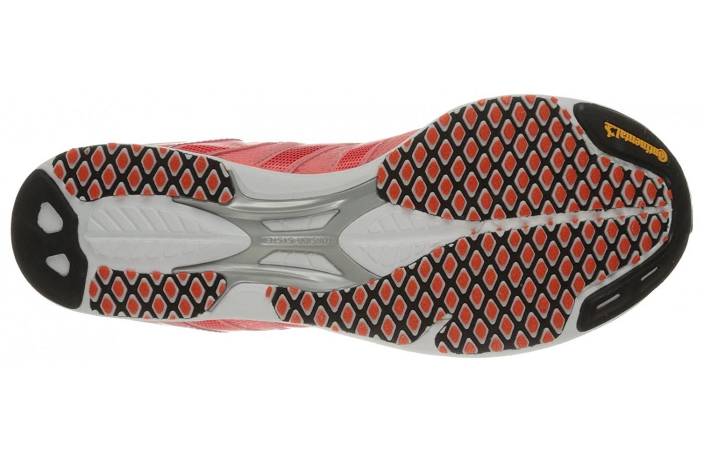 Although made for the road, the unique diamond shape of the outsole gives these racing shoes great grip