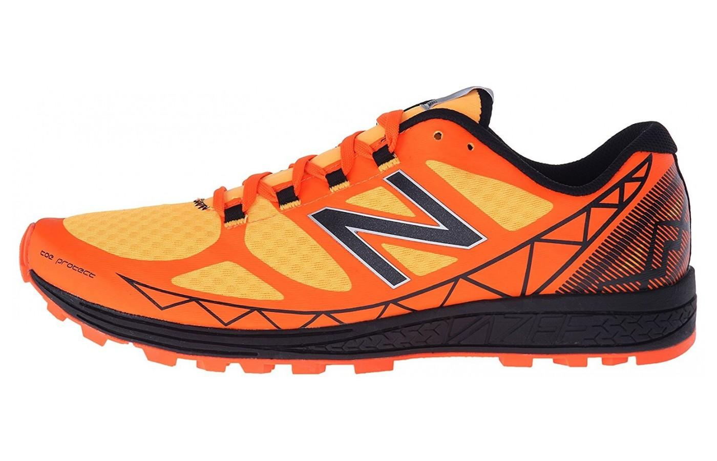 Eye catching color choice for the New Balance Vazee Summit for men: Impulse/Lava