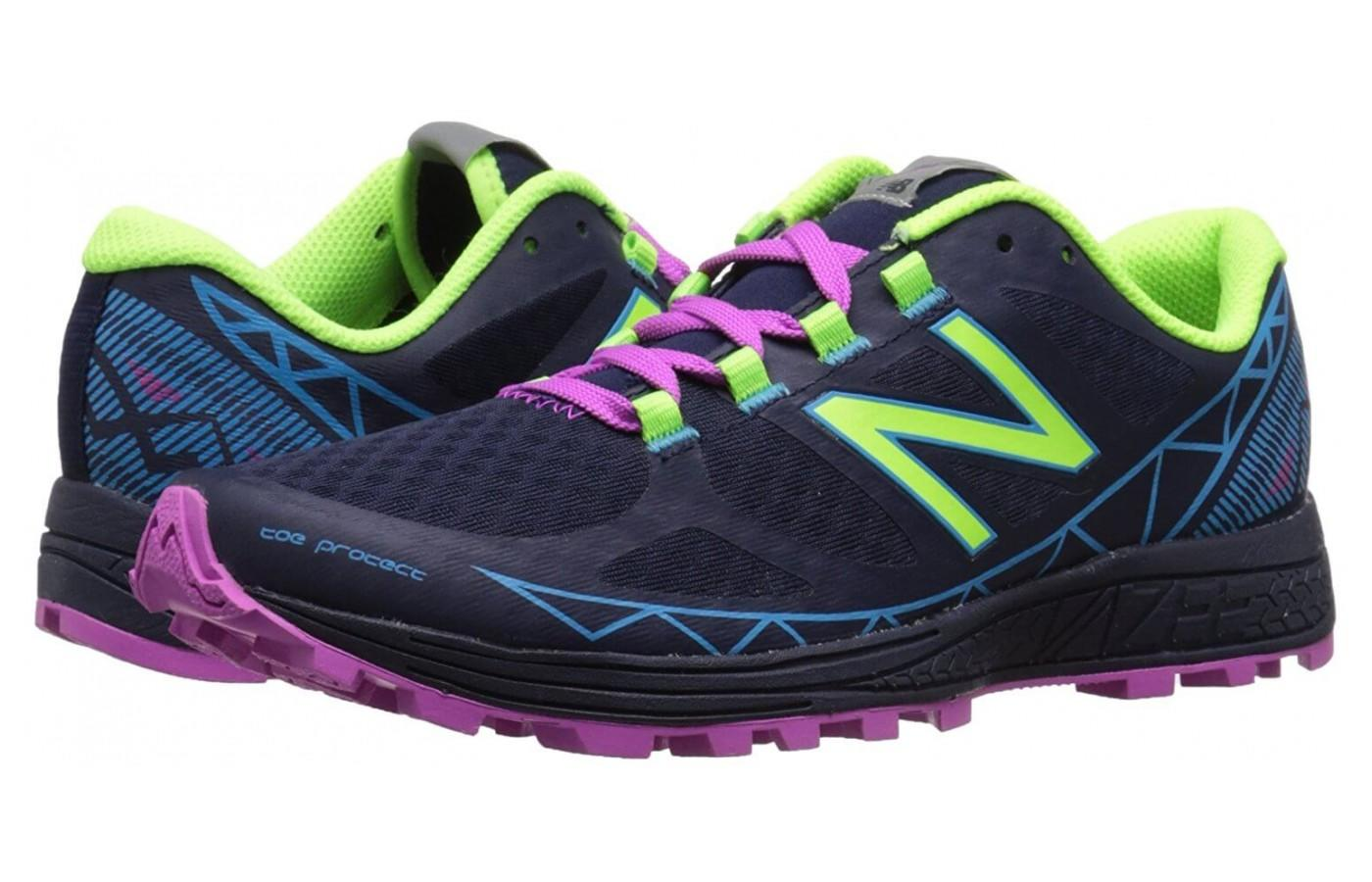 New Balance Vazee Summit in the women's toned down color choice: abyss/toxic