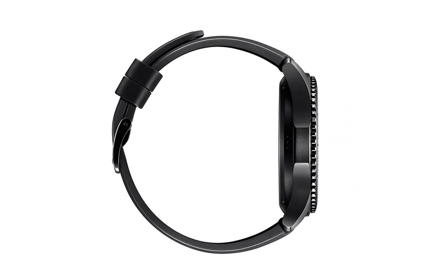 the Samsung Gear S3 Frontier has a built in GPS