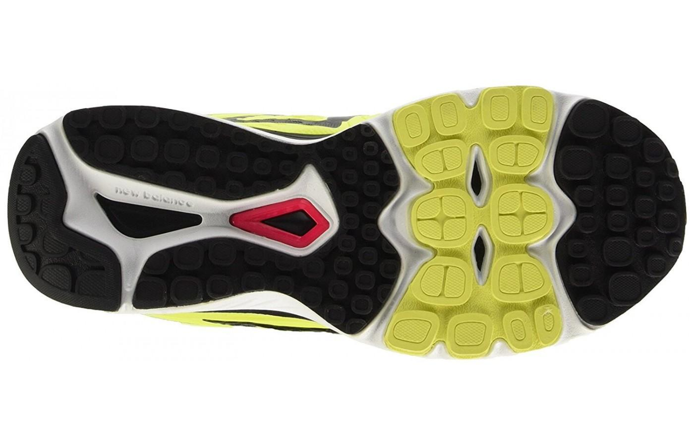 Outsole of the New Balance 880 V7 is made of blown rubber