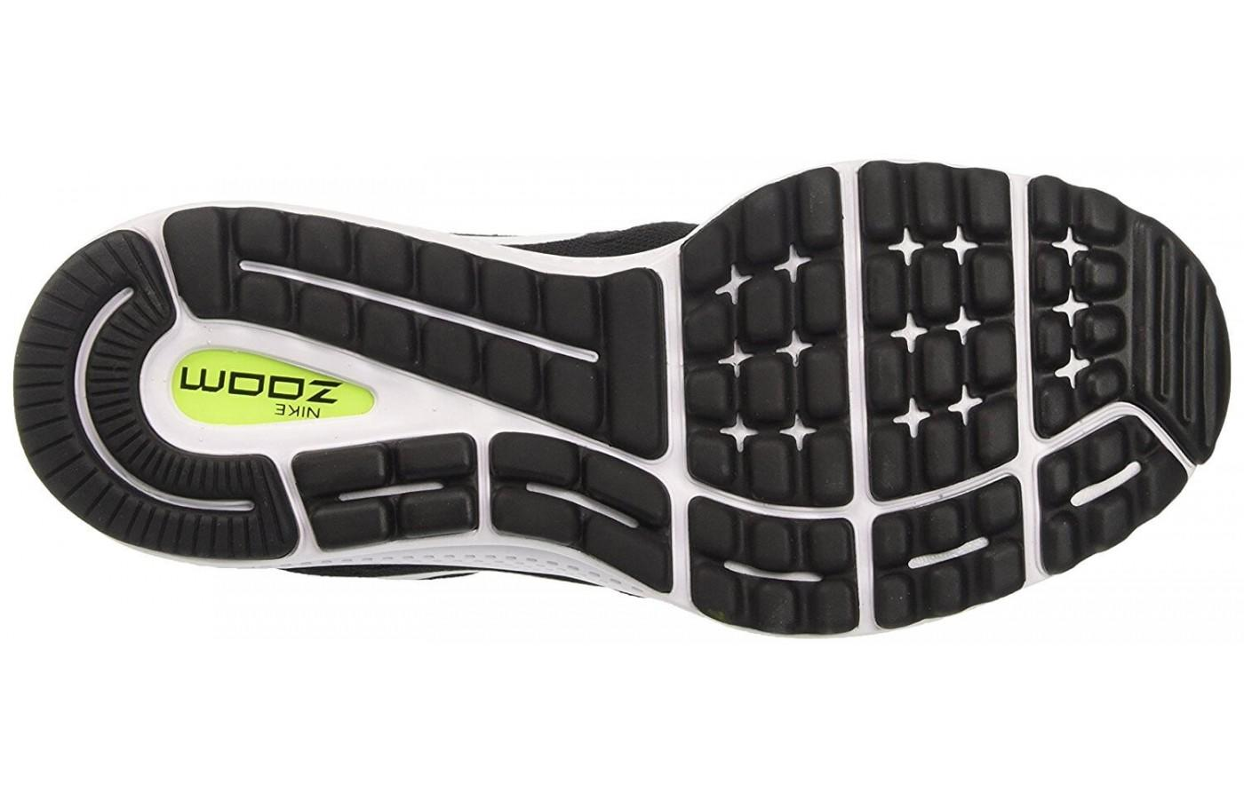 The outsole of the Nike Air Zoom Vomero 12 uses two kinds of rubber and a crash rail