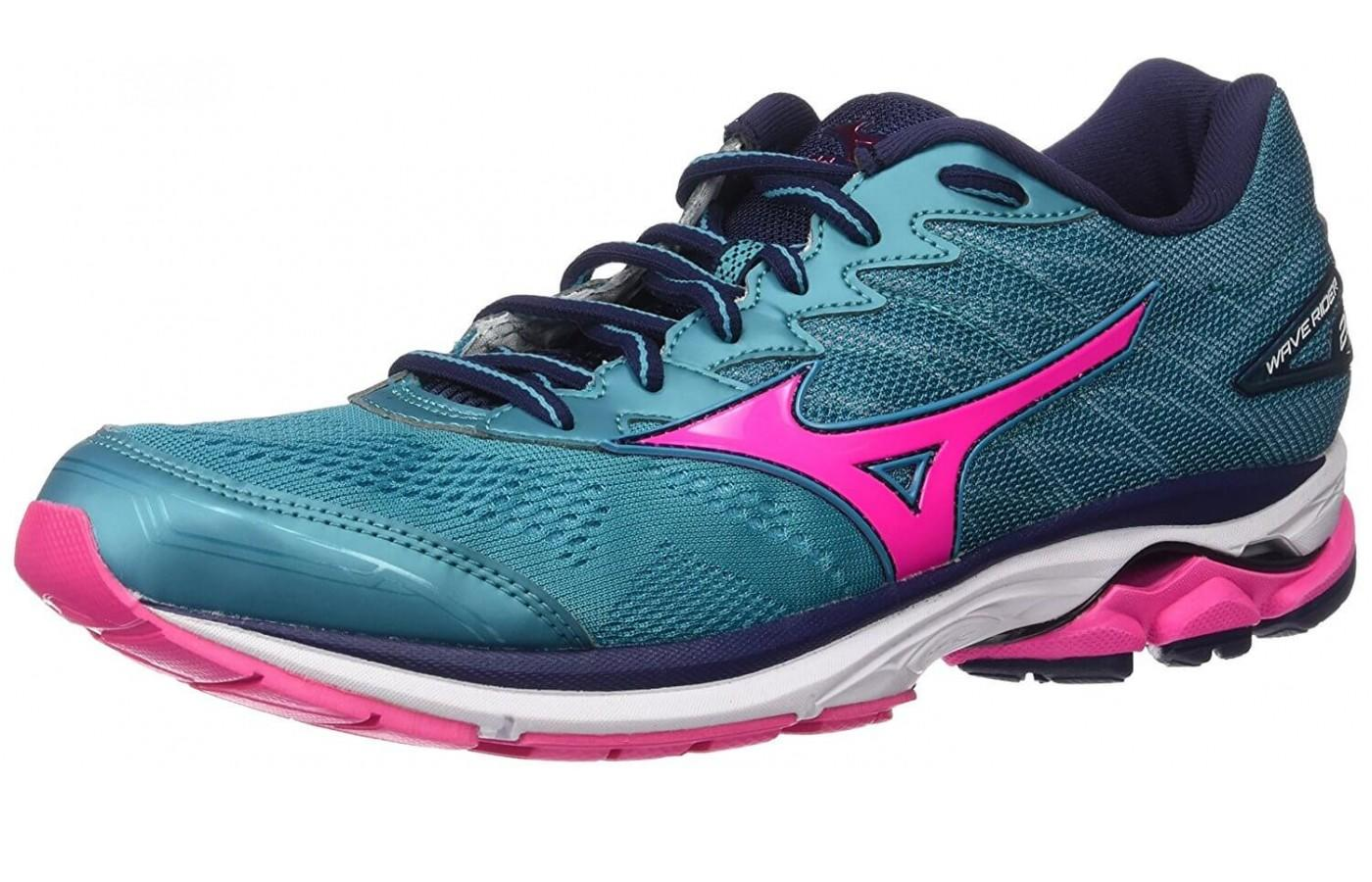 A full view of the Mizuno Wave Rider 20