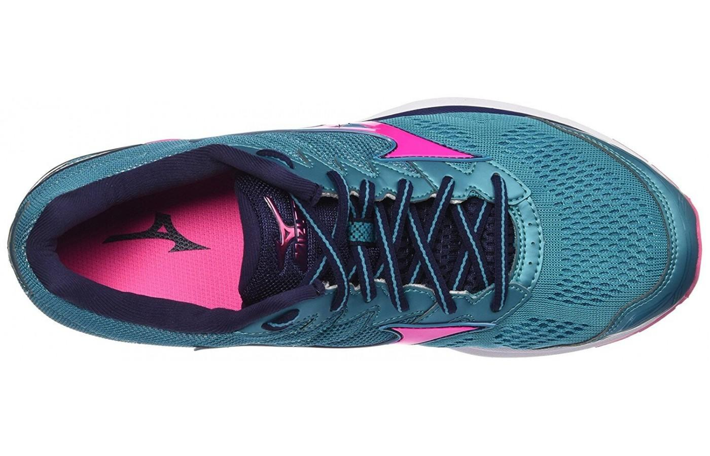 The Mizuno Wave Rider 20 offers a snug, narrow fit