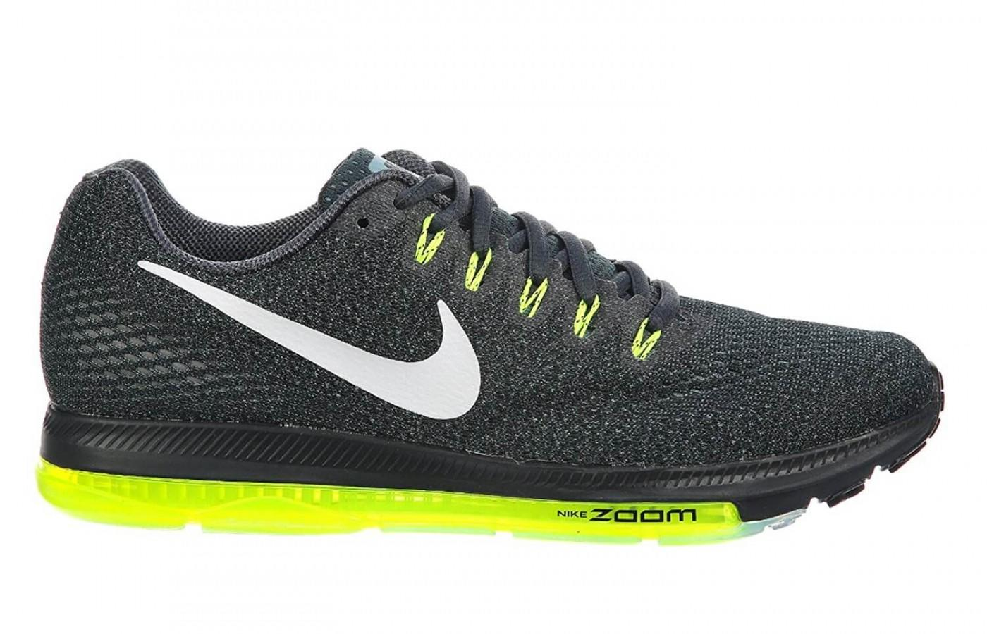 Nike combines style and structure for a great overall shoe.