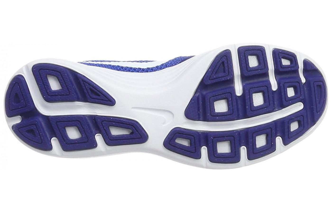 The Nike Revolution 3 has a rubber outsole with Flex Grooves