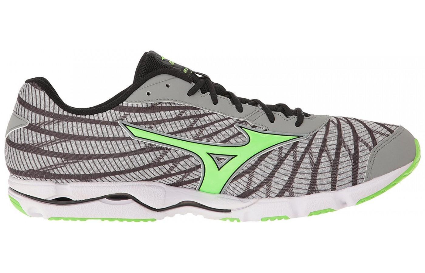 the overlays on the upper of the Mizuno Wave Hitogami 4 do not prevent air flow in the foot chamber