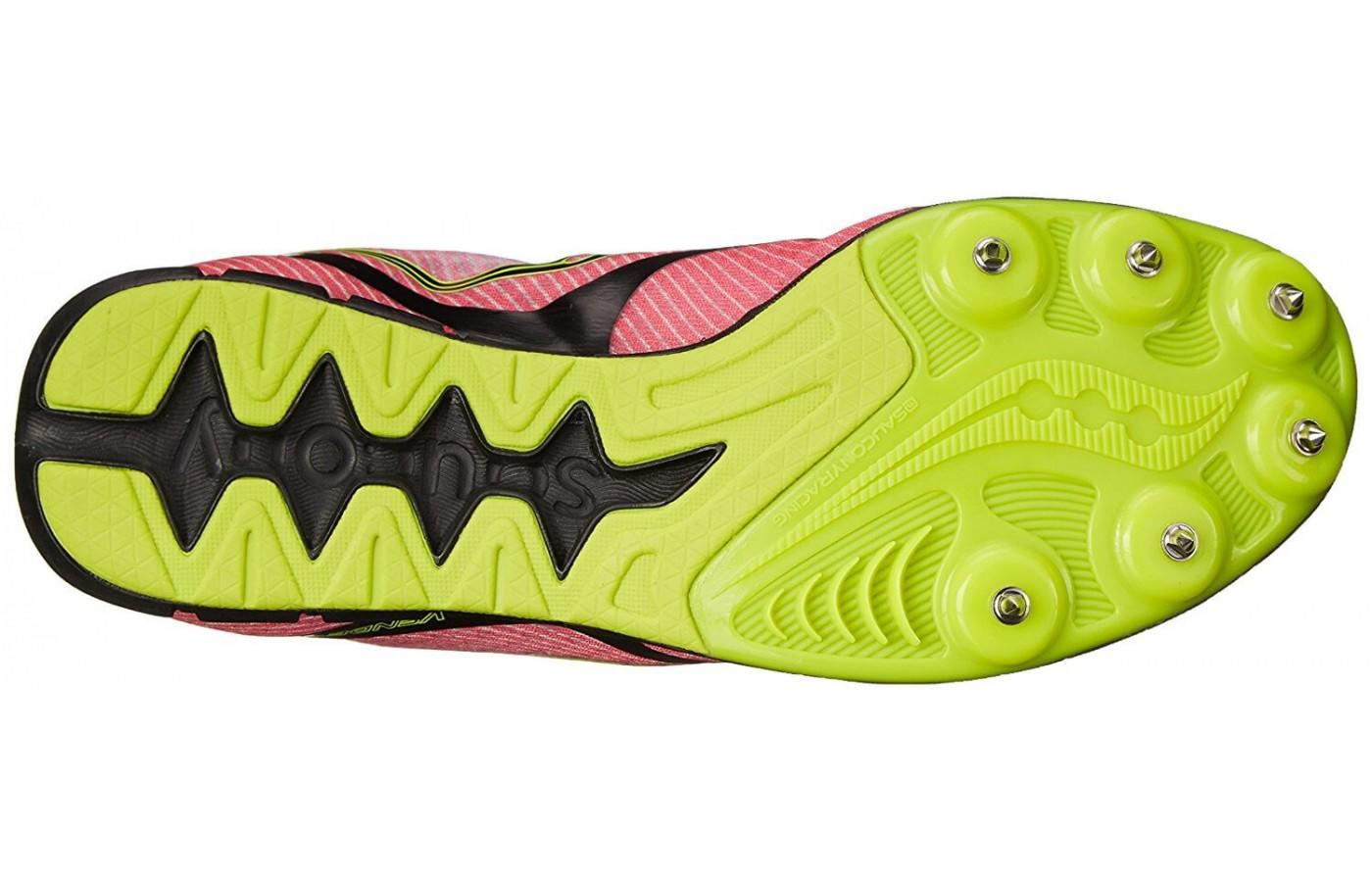 The outsole of the Saucony Vendetta is made up of molded carbon rubber