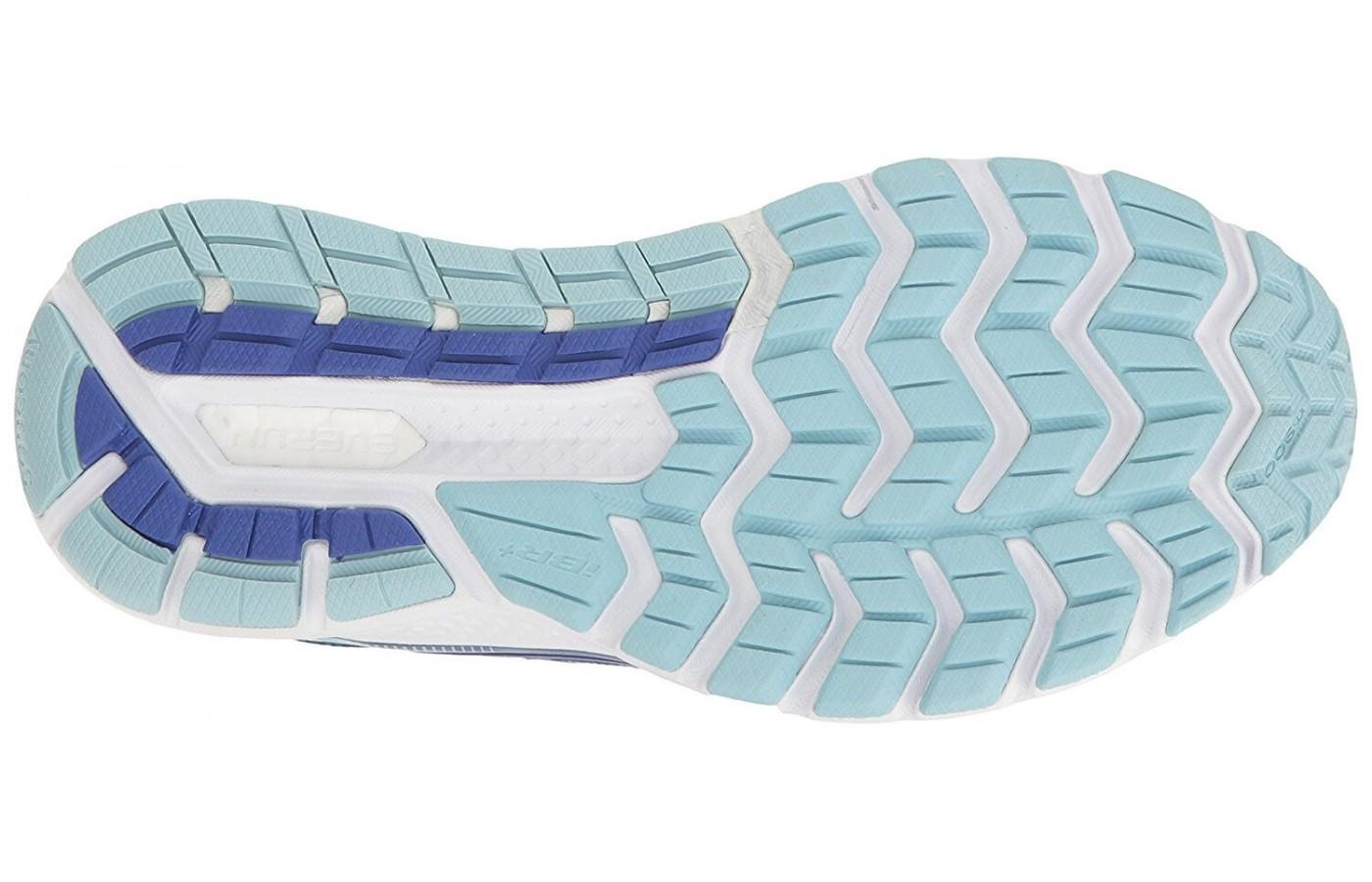 The outsole benefits from a combination of rubbers used in the heel and the forefoot