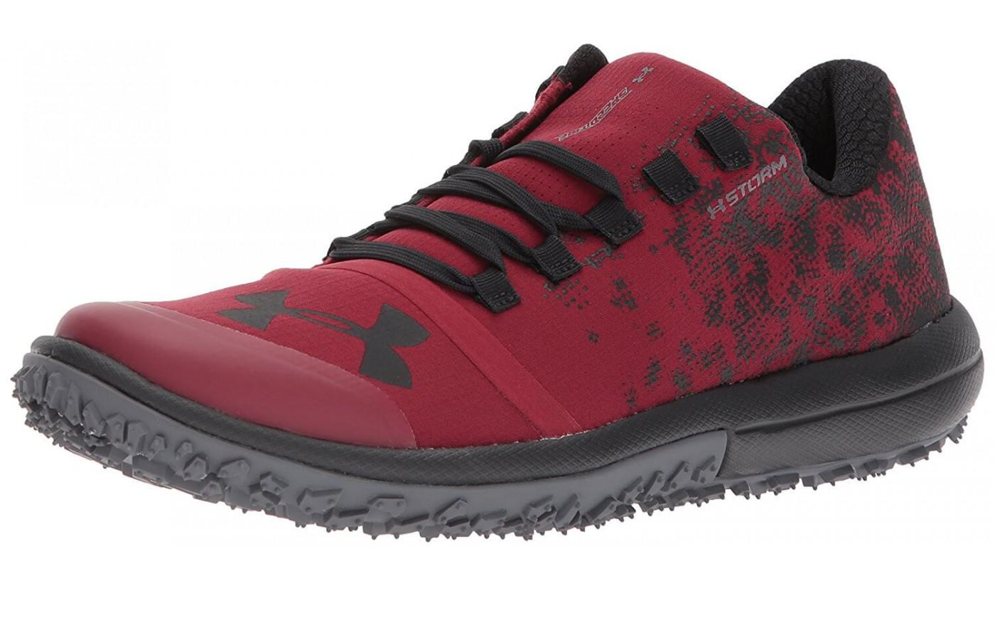 The Under Armour Speed Tire Acent Low features a low profile and aggressive outsole for fast runs on tough terrain.