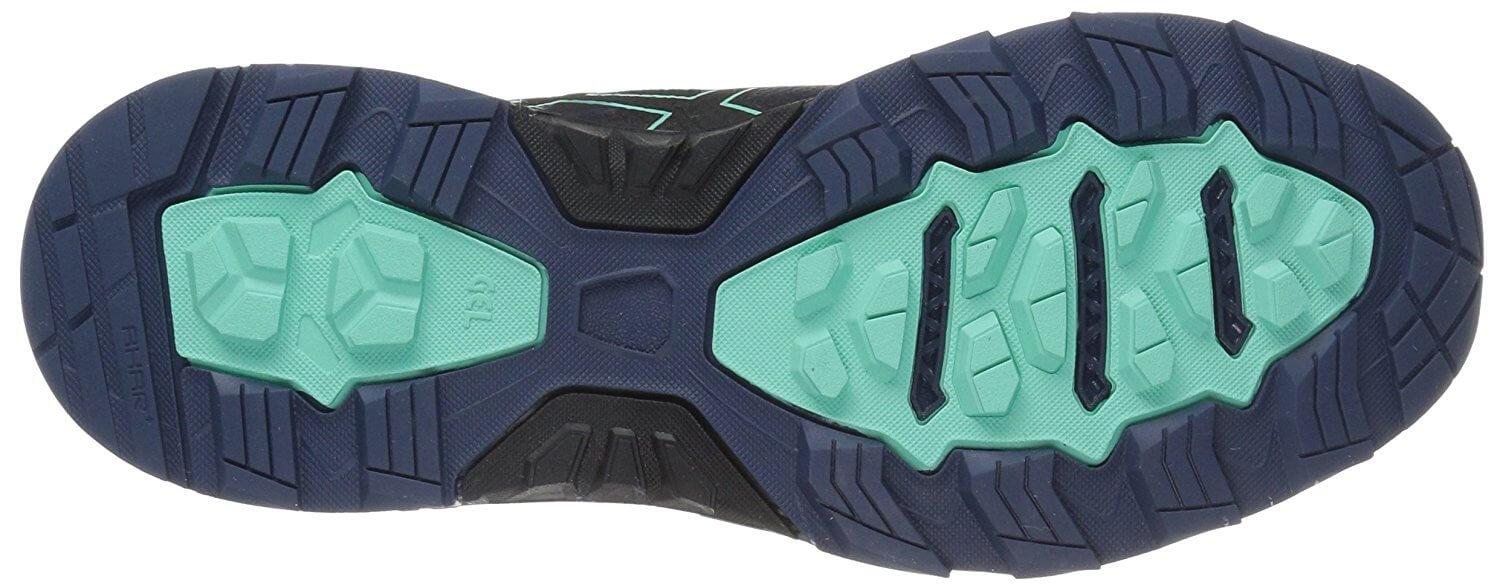 Evenly spaced lugs on the outsole provide excellent traction.
