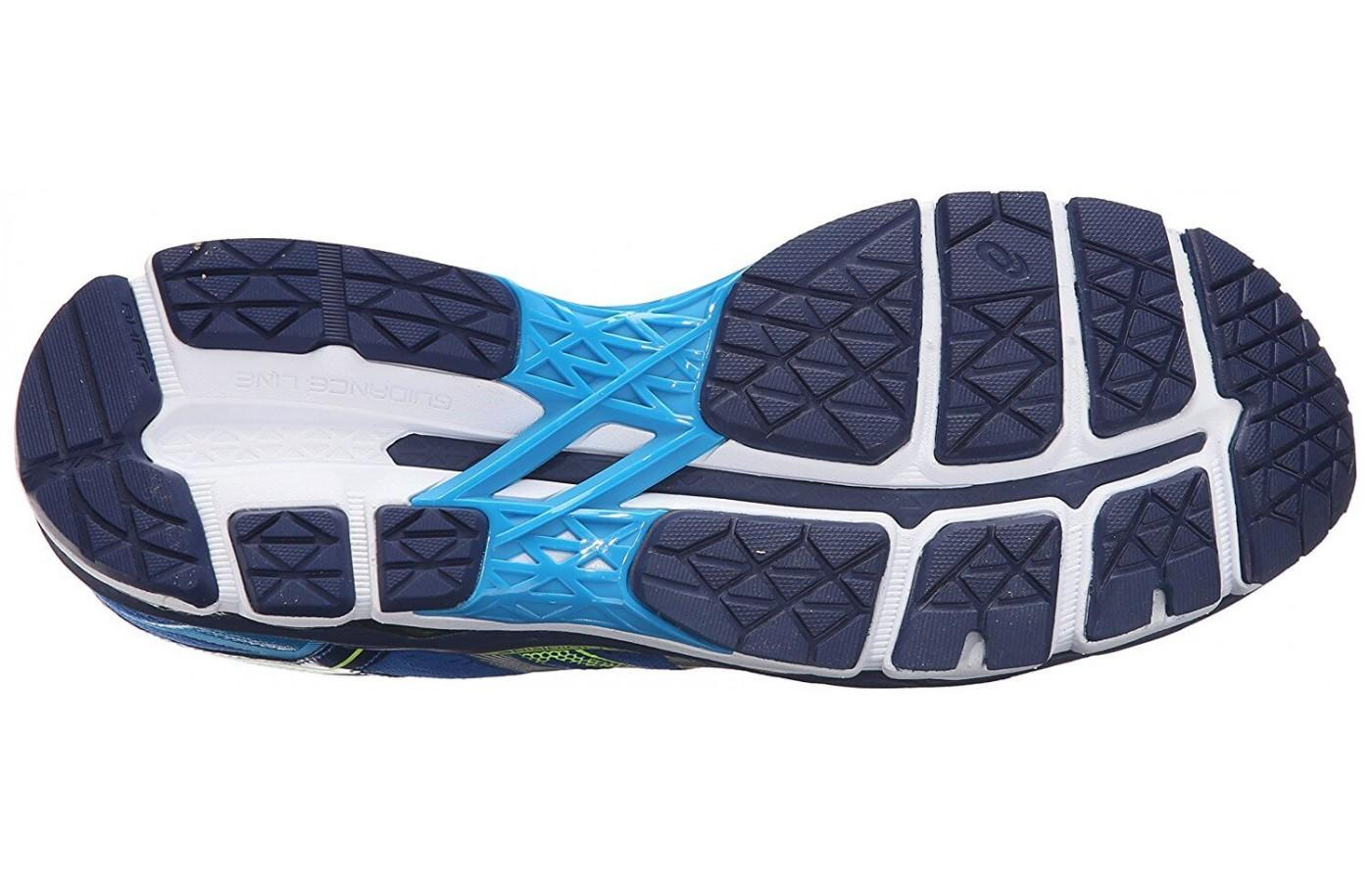 Looking at the bottom outsole of the ASICS GEL-Surveyor 5.
