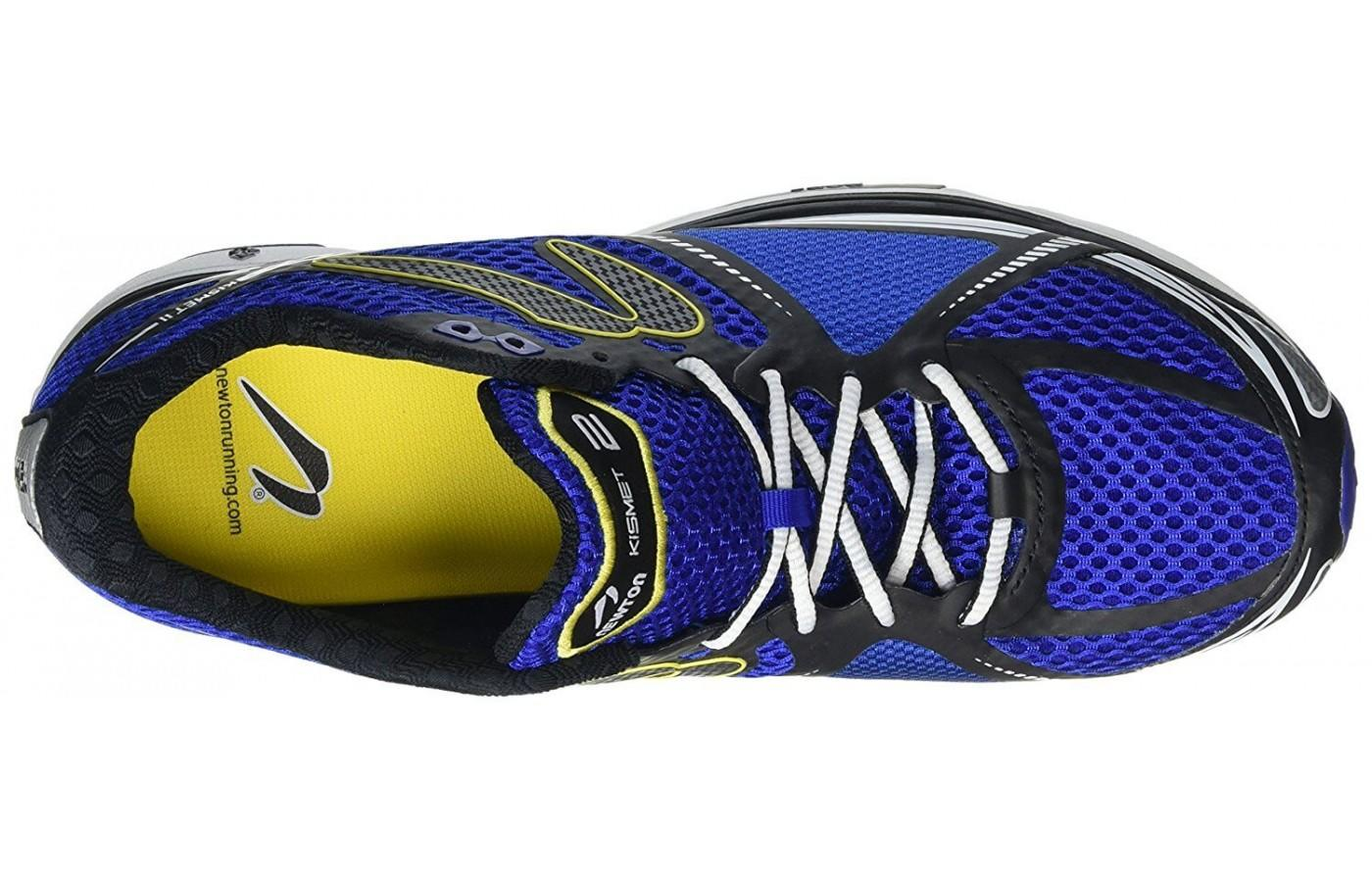 The shoe comes with metatarsal stretch panels for a customizable fit