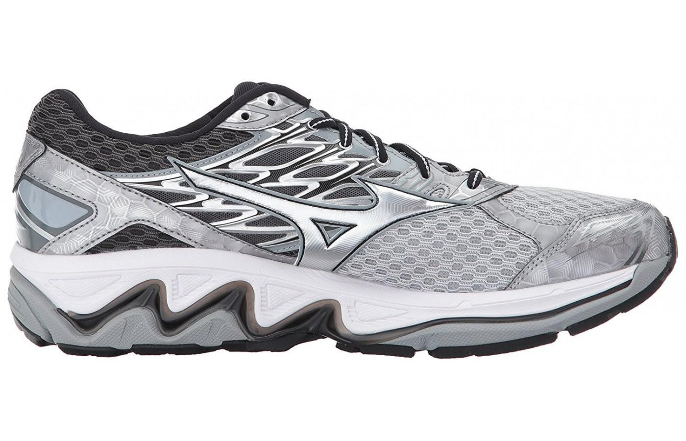 Men's Wave Paradox 4 has added stability features