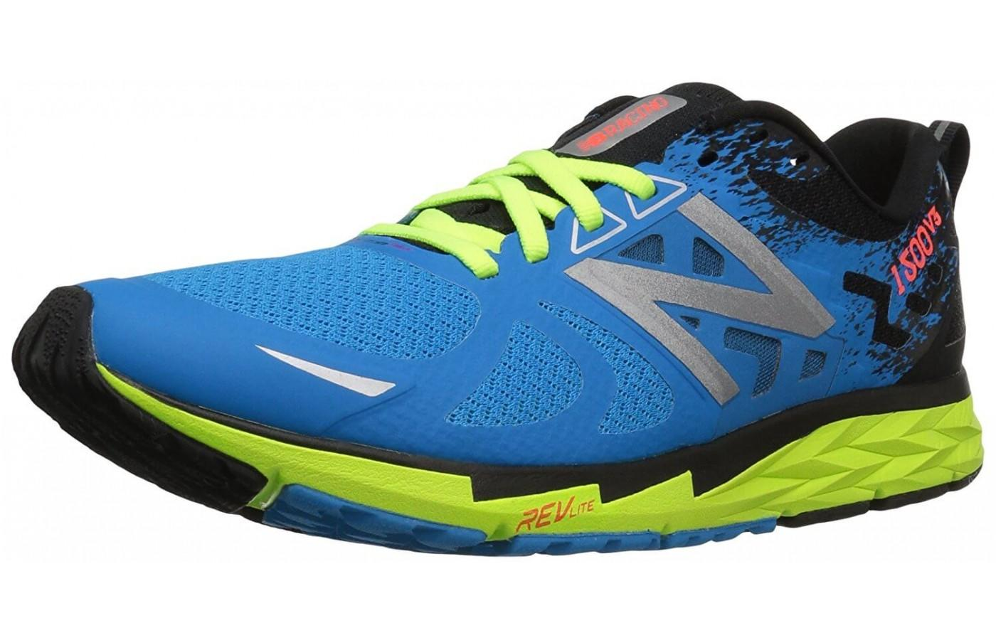 The New Balance 1500v3 strike a balance between running shoes and trail  shoes.