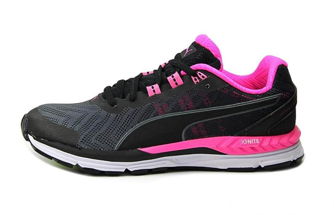 The midsole provides a lightweight cushioning that protects the runner and propels them forward.