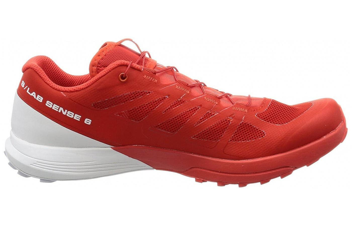 These Salomon trail shoes only come in one color scheme.